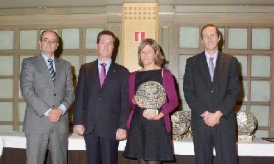 Ana Mateos - Premio Anual del Colegio Oficial de Farmacéuticos de Zaragoza