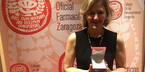 Insignia 25 años de colegiación otorgada por el Colegio Oficial de Farmacéuticos de Zaragoza.
